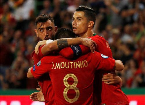 Ronaldo giúp Bồ Đào Nha thắng đậm