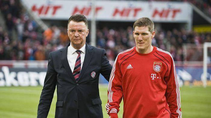 Van Gaal góp công lớn khi đưa Schweinsteiger vào từ biên vào giữa sân, nơi anh toả sáng ở vị trí giữ nhịp. Ảnh: Imago.