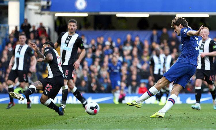 Chelsea vào top 4 Ngoại hạng Anh