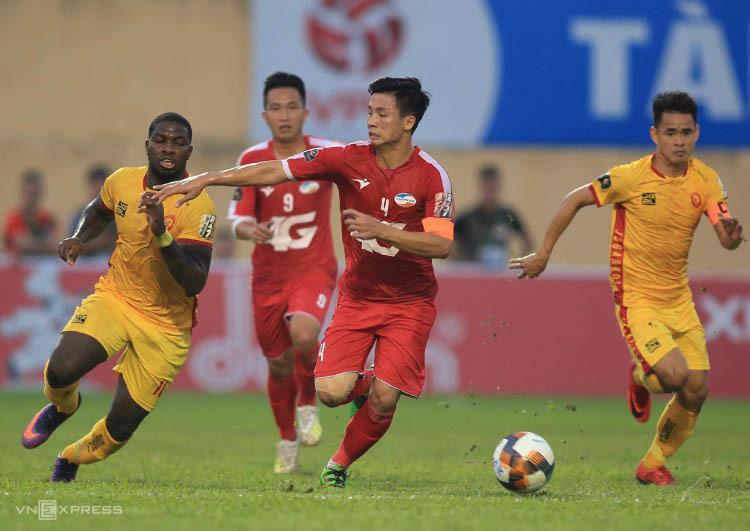 Viettel đánh bại Thanh Hoá, hoàn tất nhiệm vụ trụ hạng tại V-League 2019. Ảnh: HL