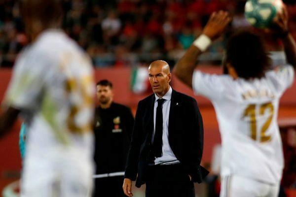 Zidane thừa nhận đội nhà chơi dưới sức khi thua Mallorca. Ảnh: EFE.