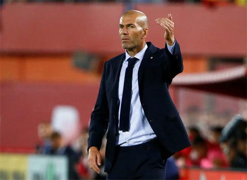 Zidane không thể tránh thất bại trong khi mất tám cầu thủ.