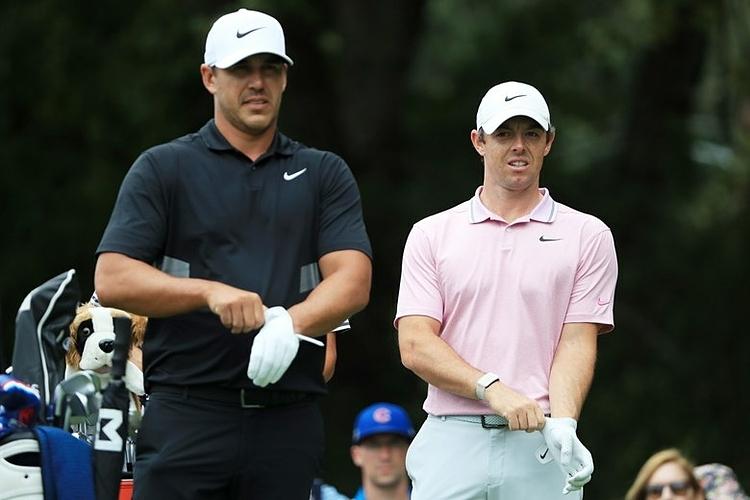 McIlroy (phải) và Koepka liên tục có những nhận xét về nhau gần đây. Ảnh: GolfDigest.