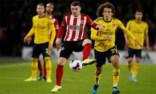 Evra: 'Arsenal vẫn như những đứa trẻ'