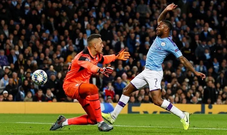Sterling đang là chân sút ghi nhiều bàn nhất cho Man City mùa này. Ảnh: Reuters.