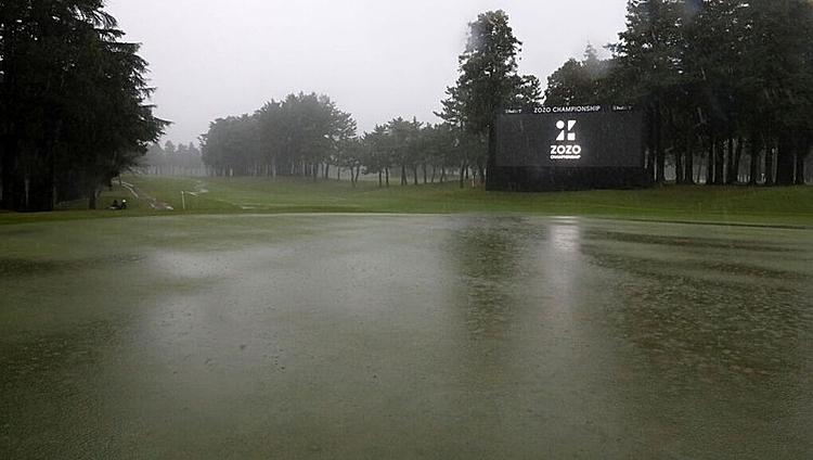 Mưa lớn tại Chiba khiến vòng hai của giải chưa thể diễn ra. Ảnh: RTE.