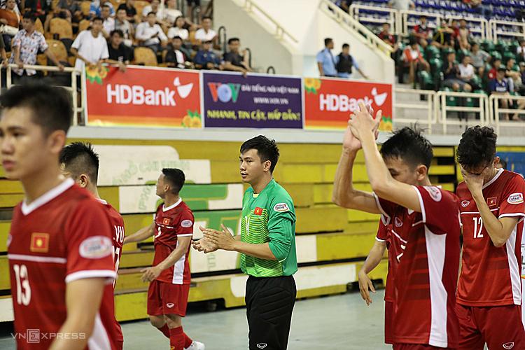 Viet Nam thua Thai Lan tai ban ket futsal Dong Nam A