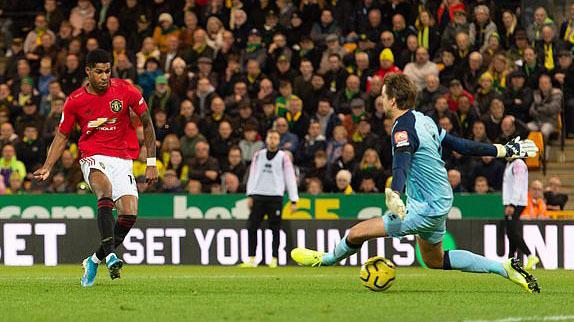 Man Utd thắng dù sút hỏng 2 quả phạt đền