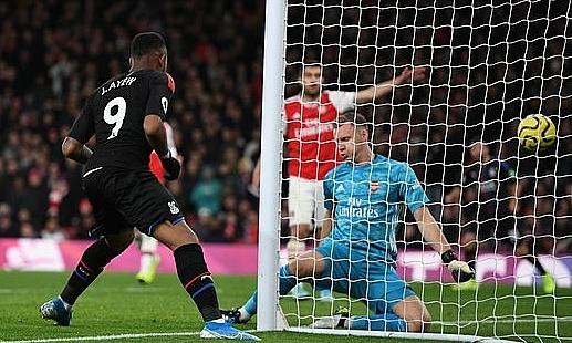 Ayew (số 9) ghi bàn ấn định tỷ số hoà 2-2. Ảnh: Daily Mail.
