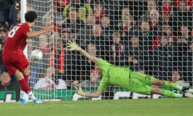 Quả luân lưu quyết định của Curtis Jones, mang về chiến thắng cho Liverpool. Ảnh: Shutterstock.