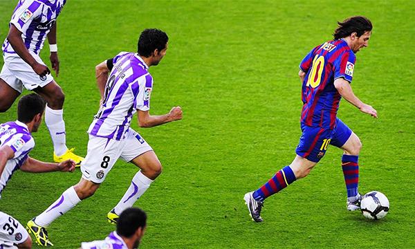 Messi thời trẻ thi đấu năng động hơn so với hiện nay. Ảnh: EPA.