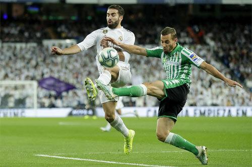 Betis thành công trong việc kiếm điểm tại sân Bernabeu. Ảnh: Reuters
