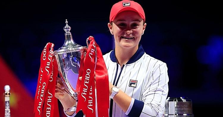 Barty mừng chức vô địch WTA Finals đầu tiên trong sự nghiệp. Ảnh: Reuters.