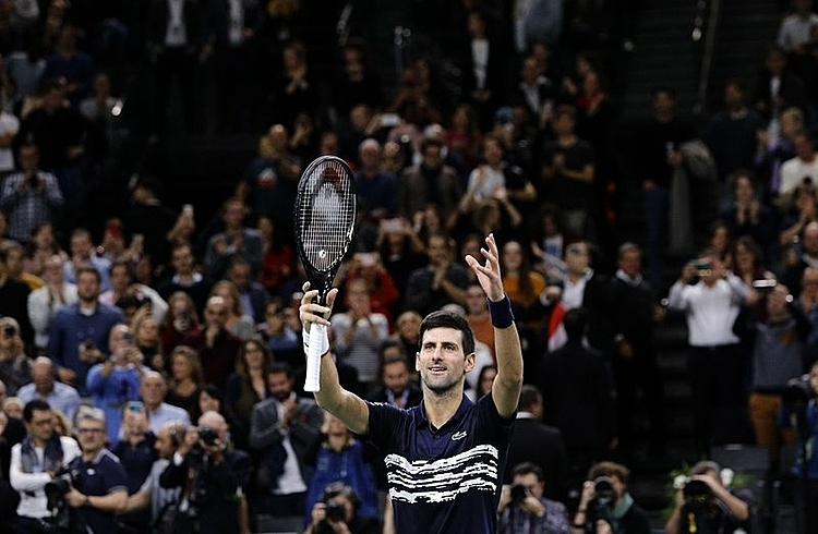 Djokovic vừa giành danh hiệu thứ nămtrong mùa giải tại Paris Masters. Ảnh: AP.