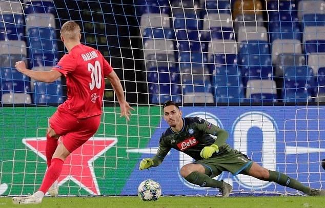 Trò cũ của Solskjaer đi vào lịch sử Champions League - ảnh 1