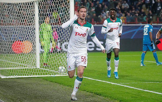Miranchuk gỡ hoà cho Lokomotiv. Ảnh: Reuters.