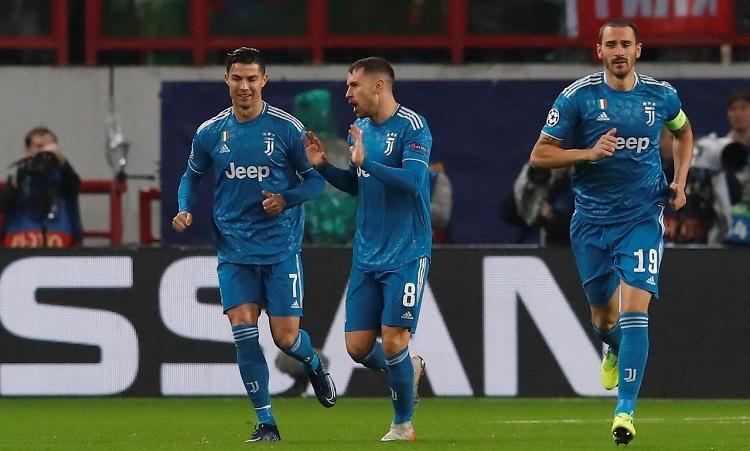 Ramsey nói anh hành động theo bản năng khi cướp bàn thắng của Ronaldo. Ảnh: Reuters.