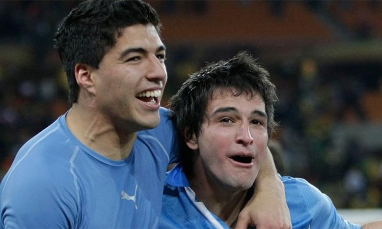 Đồng đội Uruguay tin Suarez sẽ sang Mỹ thi đấu - ảnh 2