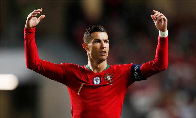 Ronaldo là cầu thủ ghi bàn nhiều nhất lịch sử tuyển Bồ Đào Nha. Ảnh: Reuters