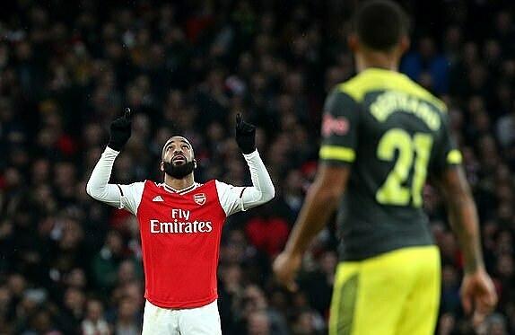 Tính cả trận này, Lacazette đã ghi 24 bàn trong 30 trận gần nhất cho Arsenal trên sân nhà. Ảnh: AP.