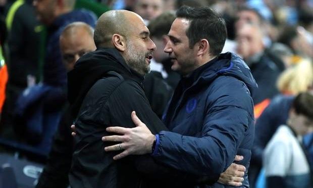 Guardiola (trái) thắng Lampard trong lần đầu chạm trán. Ảnh: PA.