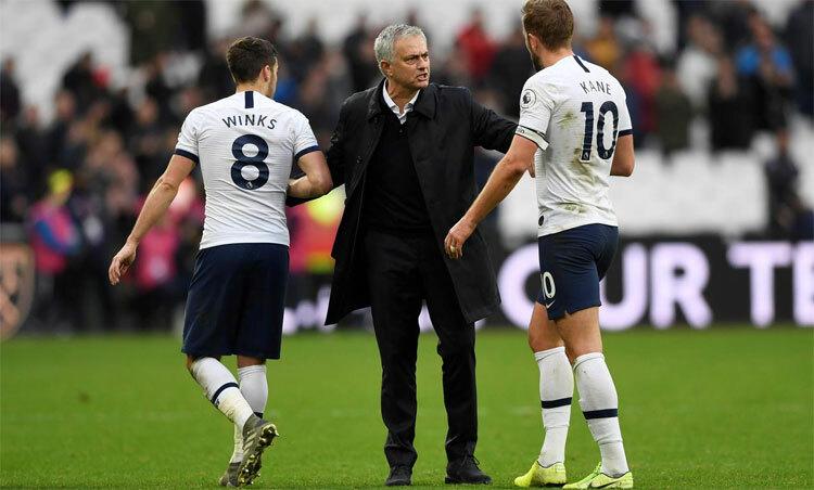 Mourinho đang vực dậy Tottenham, Ảnh: Reuters