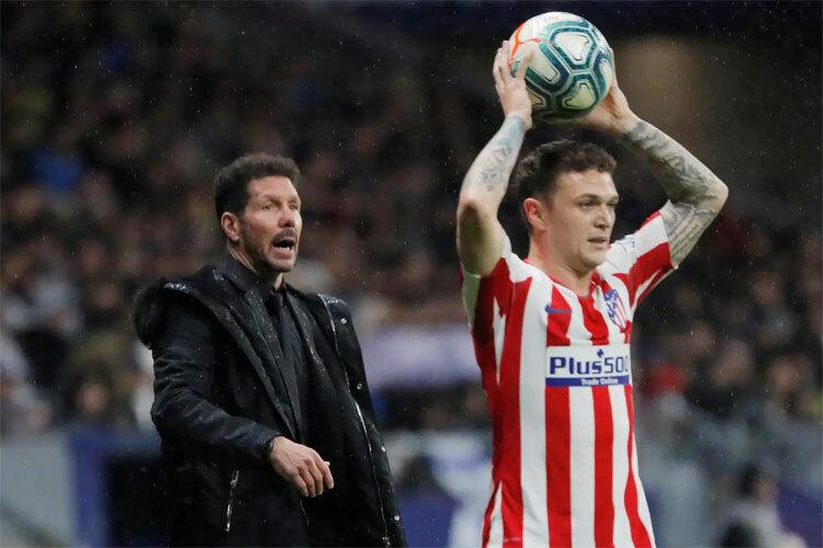 Atletico có không ít cơ hội vượt lên. Ảnh: Reuters