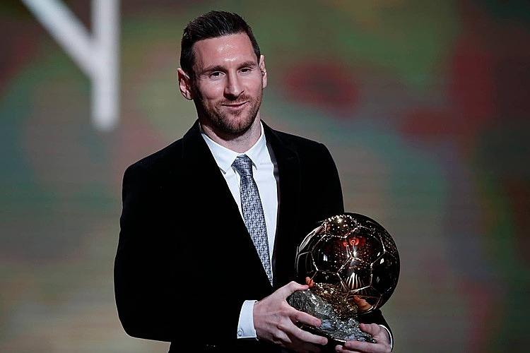 Messi trở thành người đầu tiên sáu lần giành Quả Bóng Vàng. Ảnh: AP.