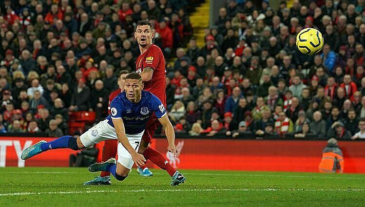 Richarlison ghi bàn thứ sáu của trận đấu, ngaytrong hiệp một. Ảnh: Sports Mail.