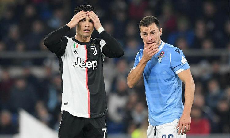 Ronaldo và Juventus đang có thành tích đi xuống. Ảnh: Reuters