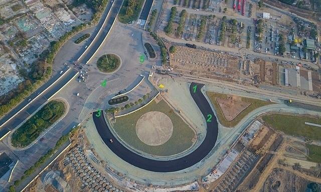 Vị trí năm góc cua đầu tiên của đường đua F1 Việt Nam. Phần từ góc cua số ba trở đi là đường phố.
