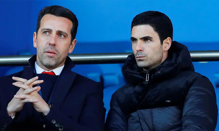 ... và Arteta (phải) đều không giấu đăm chiêu trước cách đội bóng mới của họ thể hiện. Ảnh: Reuters.