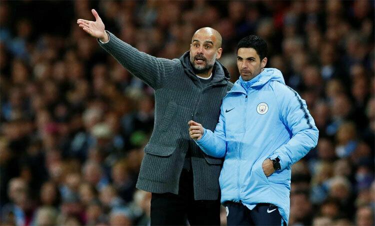 Arteta (phải) là trợ lý của Guardiola suốt hơn ba năm qua. Ảnh: Reuters.