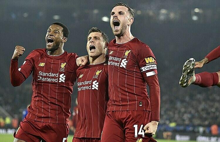 Các cầu thủ Liverpool mừng bàn nâng tỷ số lên 2-0 của Milner. Ảnh: Reuters.