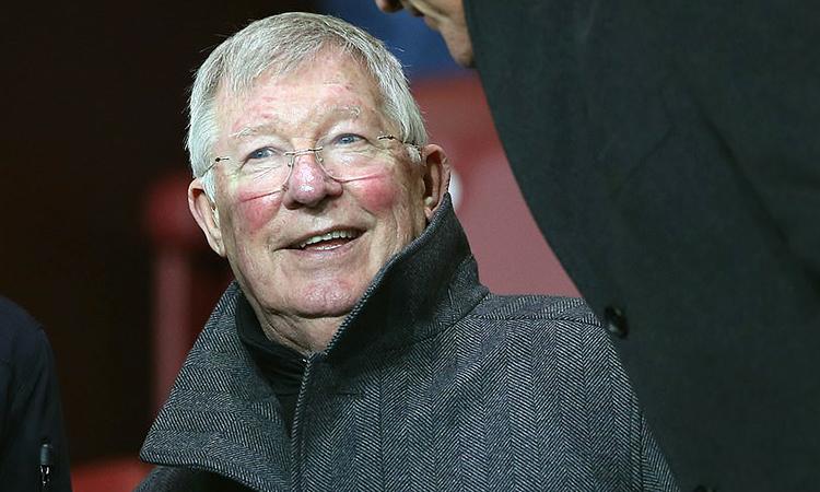 Cựu HLV Alex Ferguson xuất hiện trên khán đài sân Turf Moor để cổ vũ đội bóng cũ. Ảnh: MUFC.