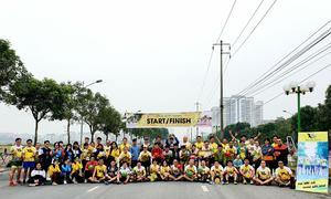 100 runner chạy mừng năm mới