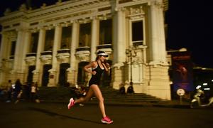 Cảnh chạy đêm Hà Nội trong trailer VnExpress Marathon