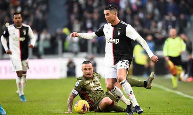 Ronaldo ấn tượng với cách Juventus chứng tỏ bản lĩnh và giành chiến thắng. Ảnh: Reuters.