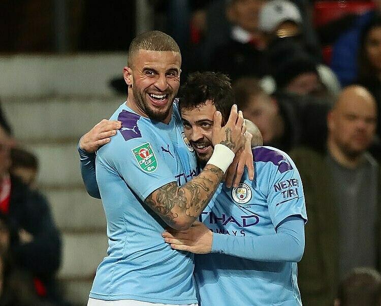 Bernardo Silva (phải) là cầu thủ hay nhất trận. Ảnh: REX.