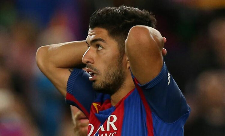 Messi mất đối tác quan trọng trên hàng công. Ảnh: Reuters
