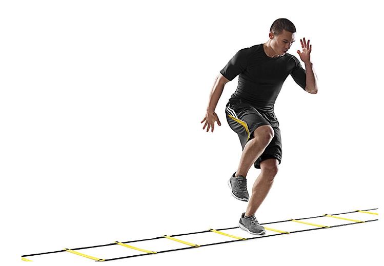 Người chạy bộ có thể tập các bàicải thiện sức mạnh của chân bằng cách thực hiện các bước ngắn, nhanh càng nhiều bước càng tốt. Ảnh: Ultiworld.