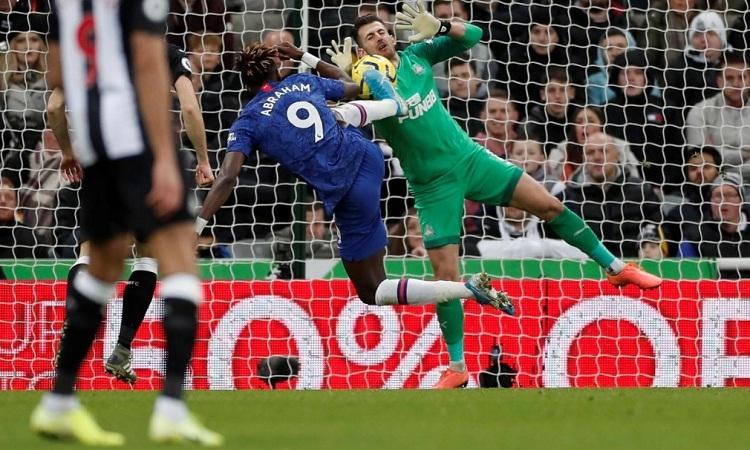 Chelsea thua bởi bàn thắng phút bù giờ - ảnh 2