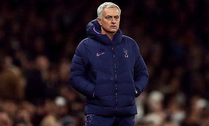 Mourinho mua cau thu nhieu nhat gioi HLV