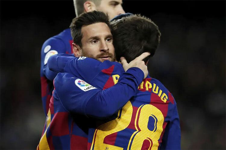 Barca tăng cường cầu thủ tự đào tạo.
