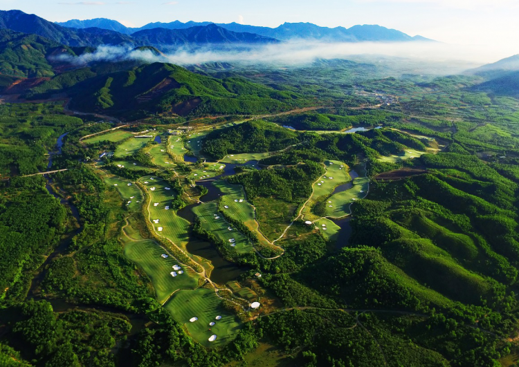 Ba Na Hills Golf Club nhìn từ trên cao.