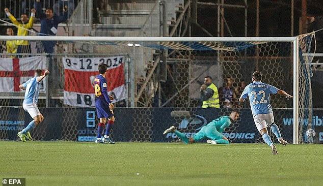 Đội hạng ba gây bất ngờ với bàn mở tỷ số.