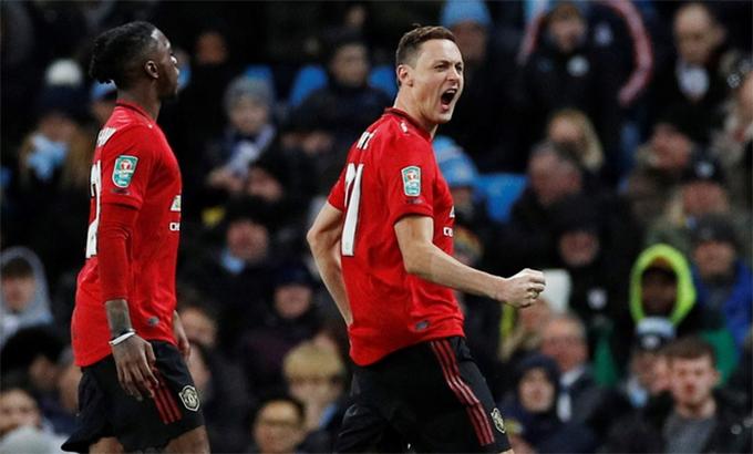 Man Utd suýt san bằng cách biệt hai lượt. Ảnh: Reuters