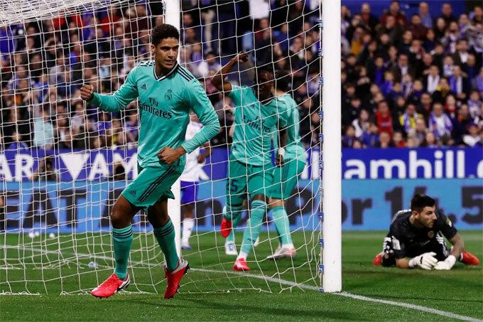 Varane ghi bàn thứ hai từ đầu năm 2020. Ảnh: Reuters
