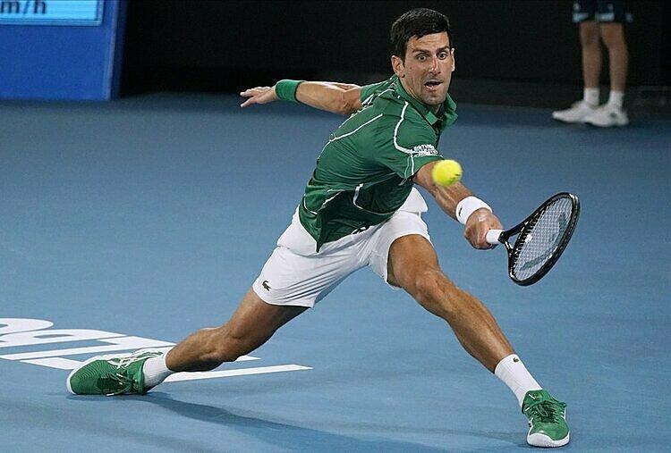 Djokovic lần lượt hạ Raonic và Federer ở tứ kết và bán kết mà không thua set nào. Ảnh: AP.