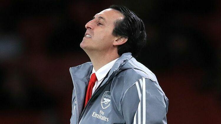 Emery thể hiện sự thất vọng khi Arsenal thua Eintracht Frankfurt trên sân nhà ở Emirates hôm 29/11/2019. Ảnh: Sky.